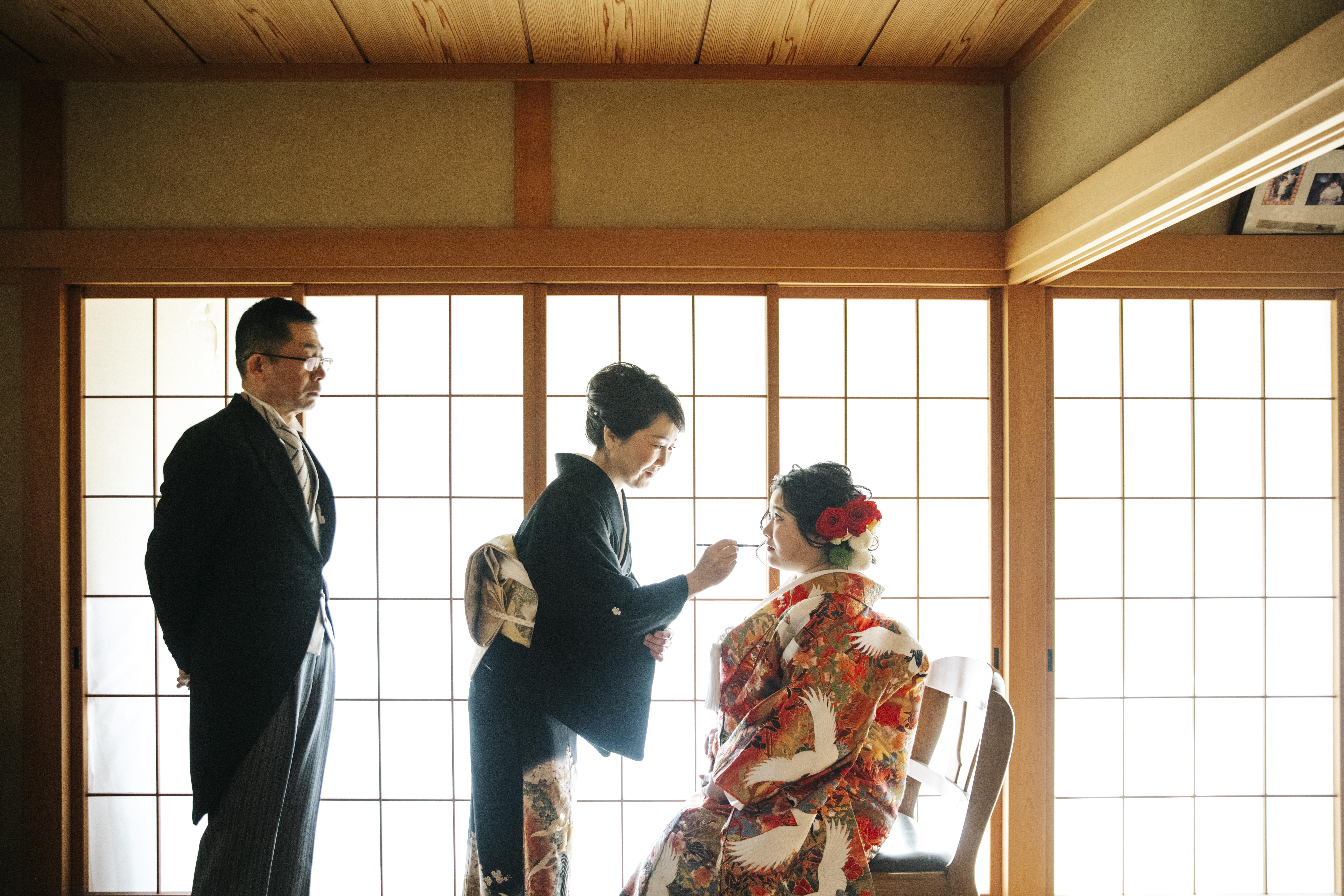 日本の結婚式文化〜自宅着付けについて〜