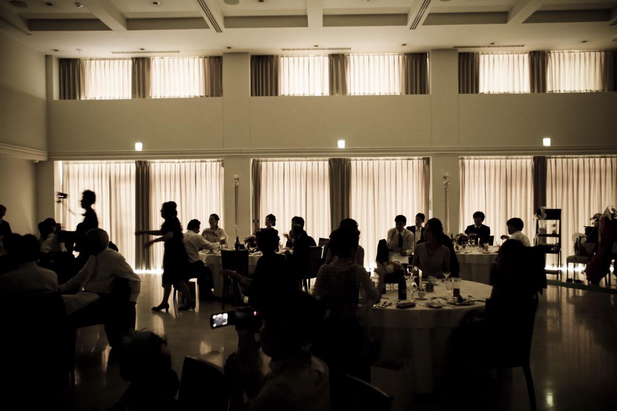 結婚式で生い立ちスライドの演出を入れるタイミングとは?