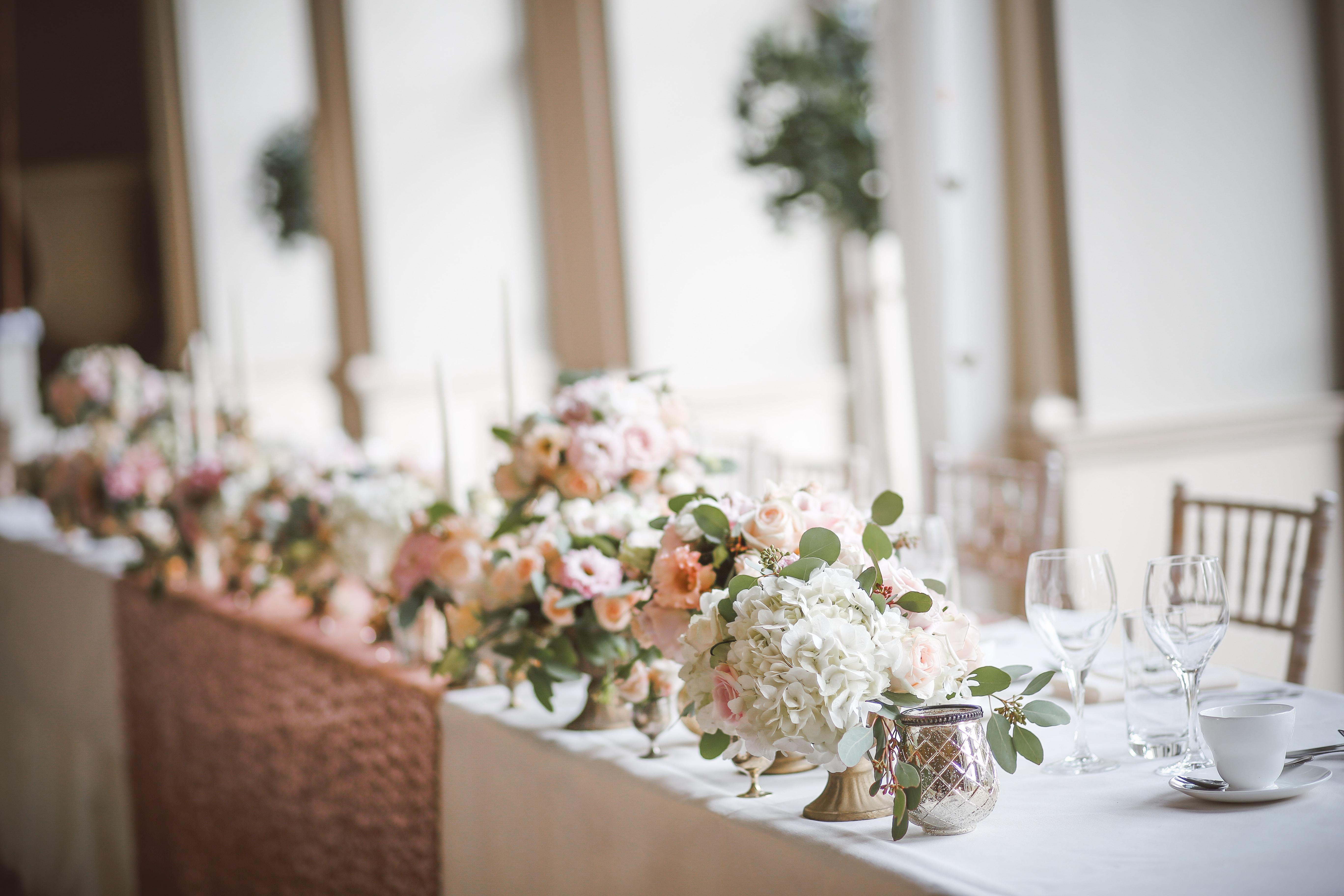 結婚が決まったあなたへ。結婚式場のイマドキの賢い探し方