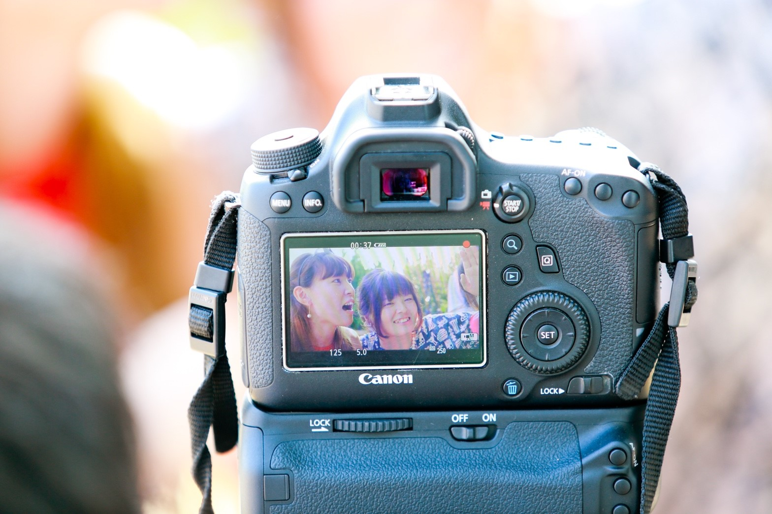 結婚式の記録映像の注文に悩んでいる方へ 結婚準備の豆知識