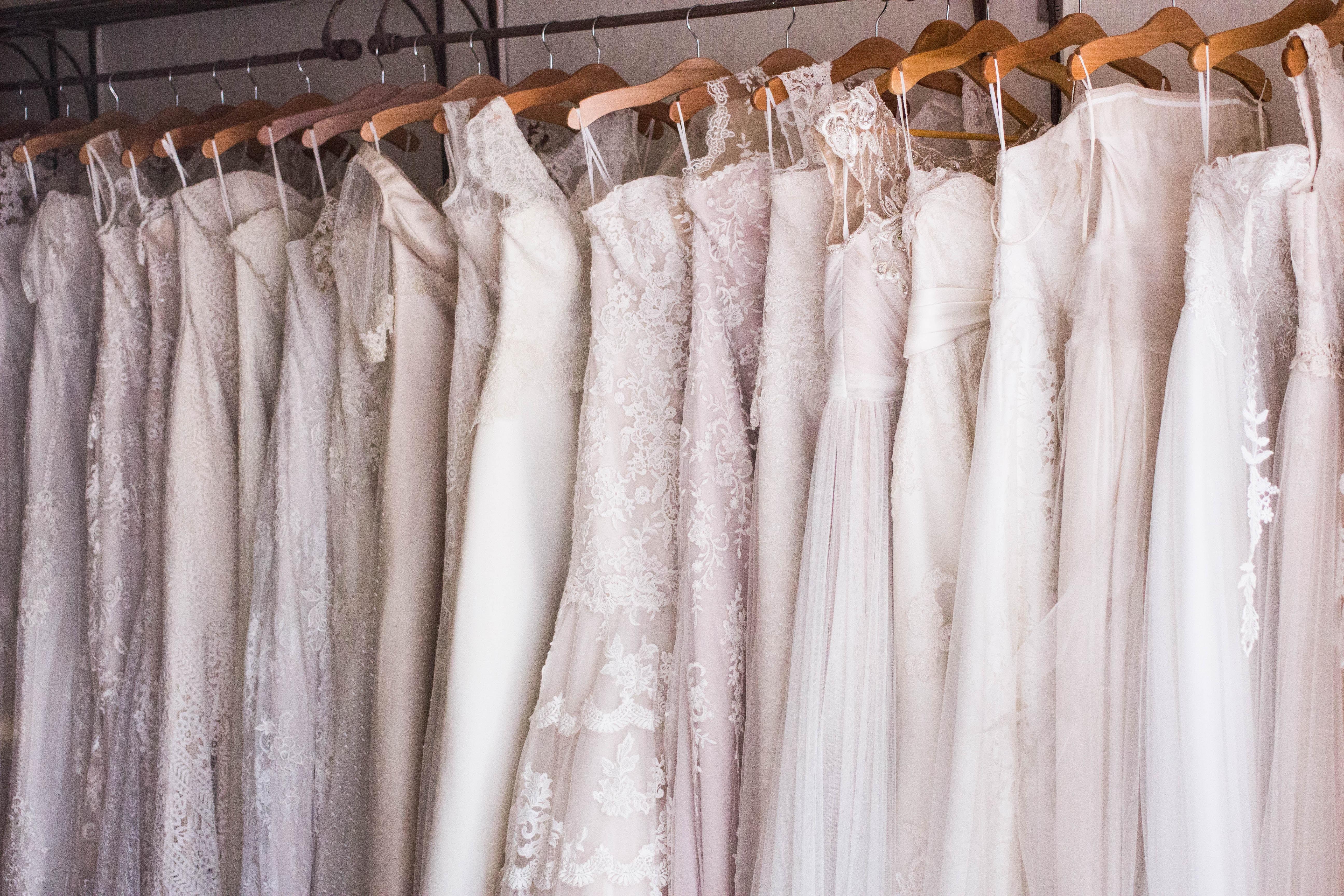 自分らしいウェディングドレスの選び方の3つのコツ